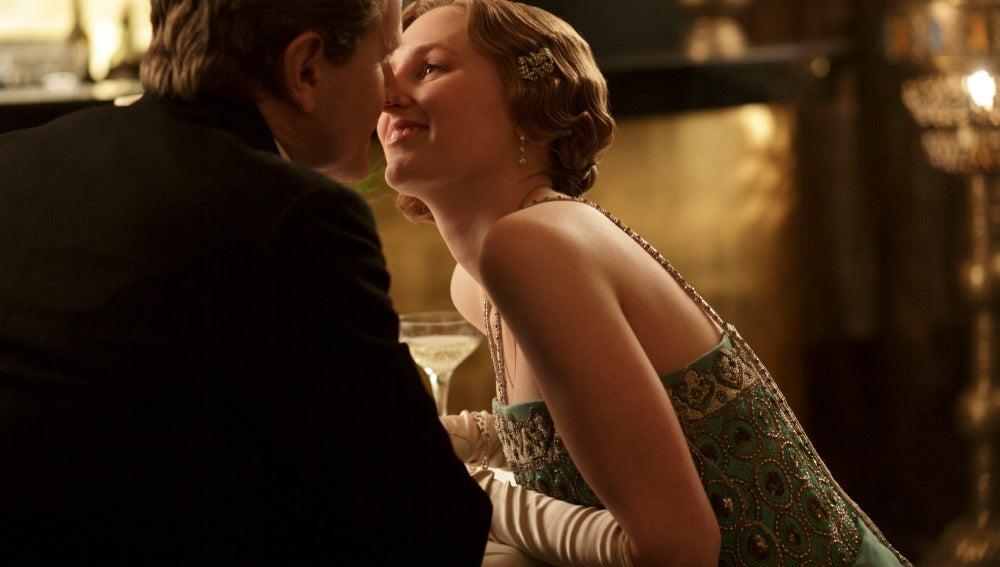 Lady Edith besa a Michael Gregson