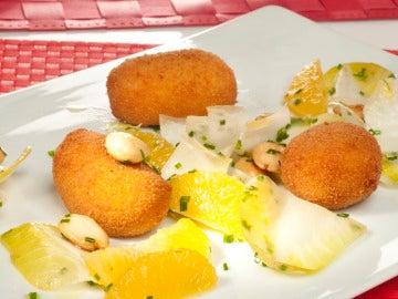 Croquetas de coliflor e idiazabal con ensalada de endibias