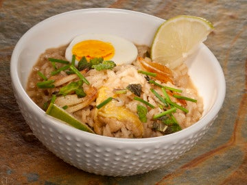 Arroz caldo filipino