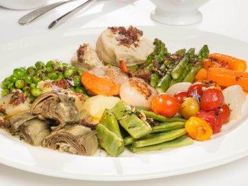 Panaché de verduras al vapor con vieiras