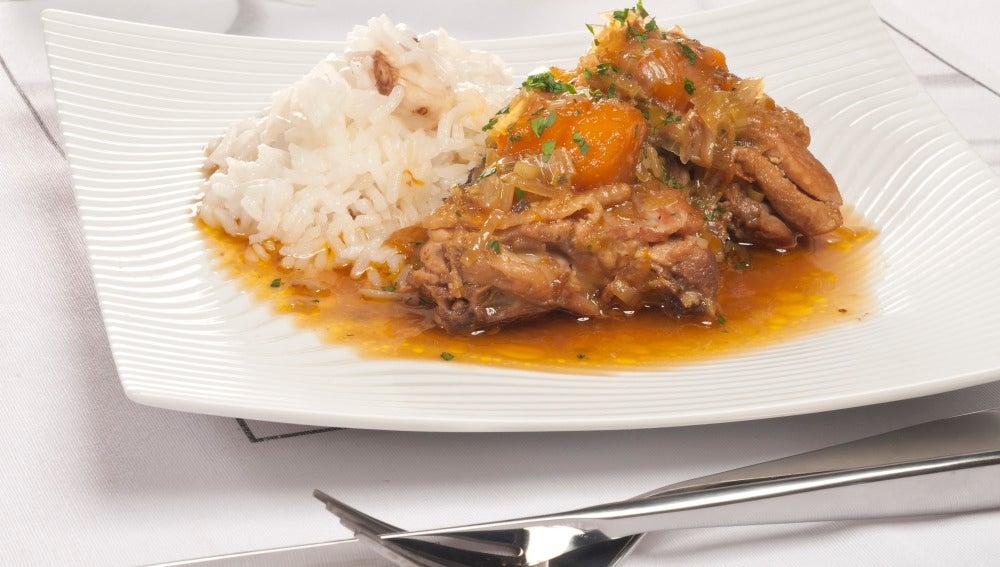 Pollo guisado con mango y jengibre