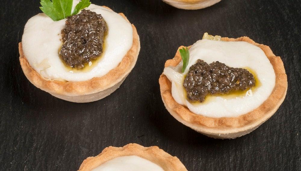 Tartaletas de brandada de bacalao con olivada