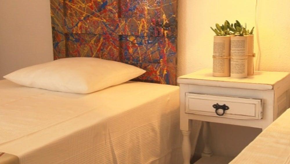 Desván convertido en una habitación para invitados