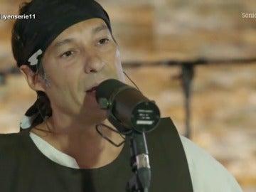 Frame 53.203448 de: Santi Sanchez interpreta la cabecera de 'Marco'