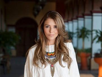 Grettell Valdés es Casandra Santos