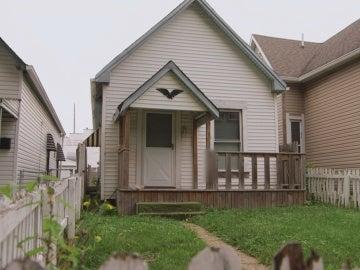 Mina a su madre: 'Esta casa es demasiado pequeña'