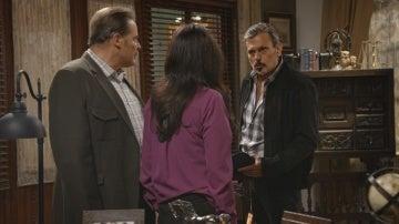 Loreto amenaza a Inés delante de Victoriano