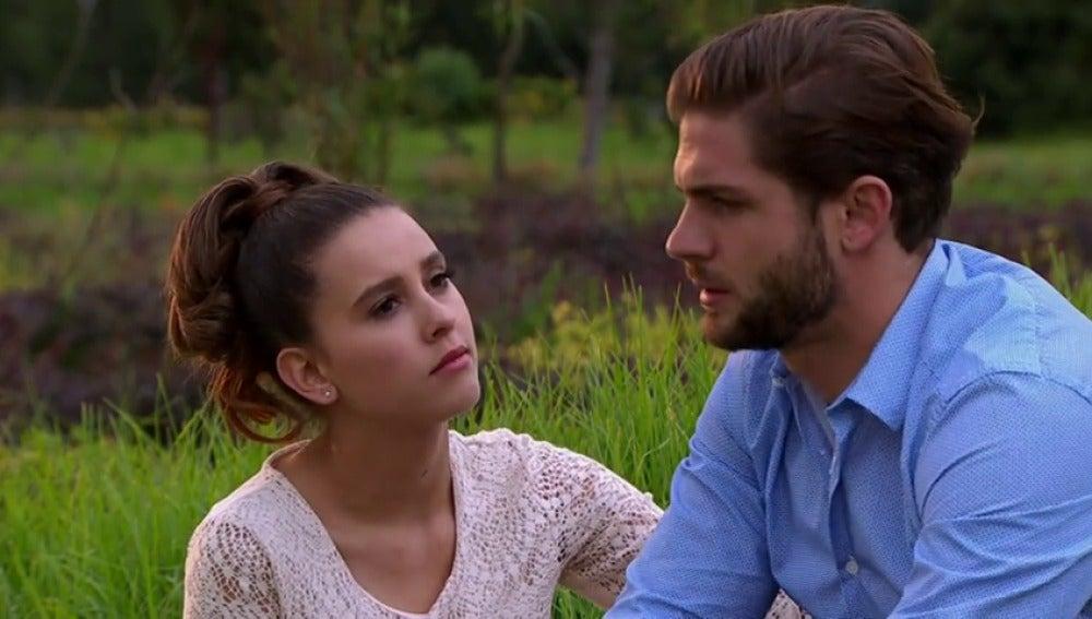 Frame 5.762537 de: Carlos y Fernanda buscan la forma de meter a Luis en la cárcel
