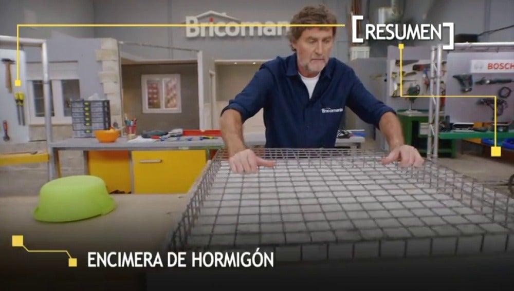 Frame 25.0558 de: Cómo construir un sencilla encimera de hormigón