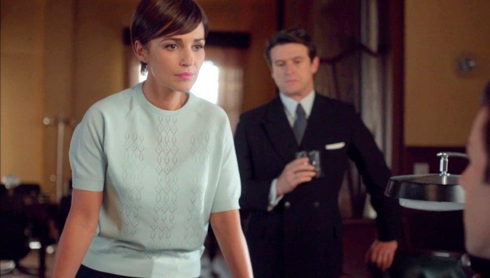 Una imponente Ana presenta su renuncia en Velvet