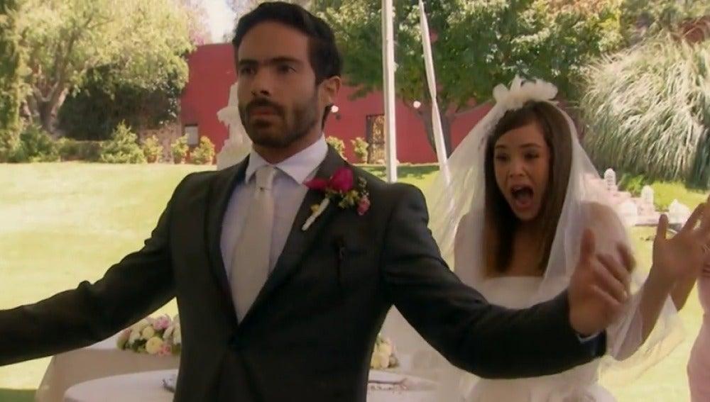 Frame 49.224186 de: Adrián y Paulina, una boda que Julieta mancha de sangre