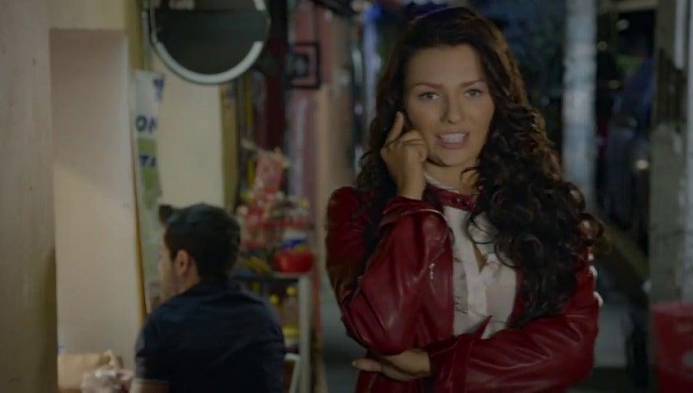 Frame 17.123555 de: Luciana está muy enfadada con Miguel, pero no imagina que el enfado se le vuelve en contra