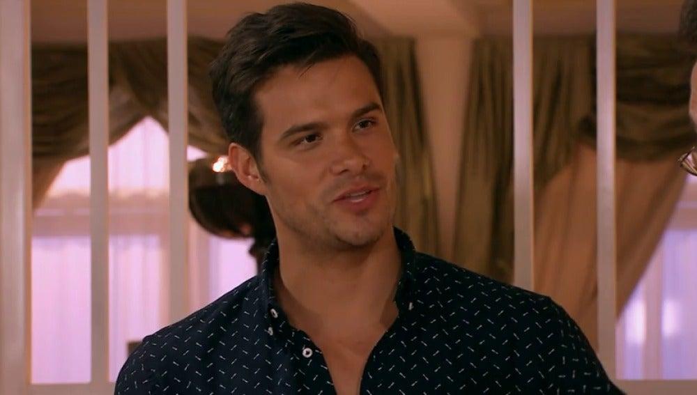 Frame 52.713677 de: Valentina presenta a su novio a la familia Murat