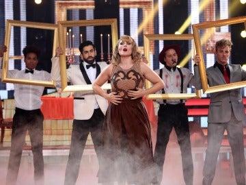 Rosa López se convierte en la dulce y sensual Taylor Swift en 'Blank Space'
