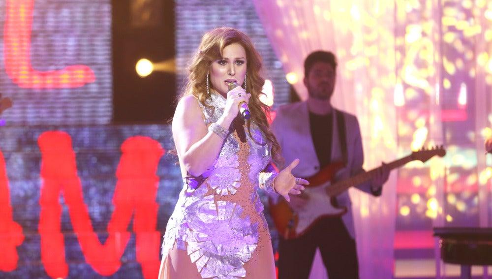 Rosa López canta con el corazón roto 'Que muera el amor' como Gloria Trevi