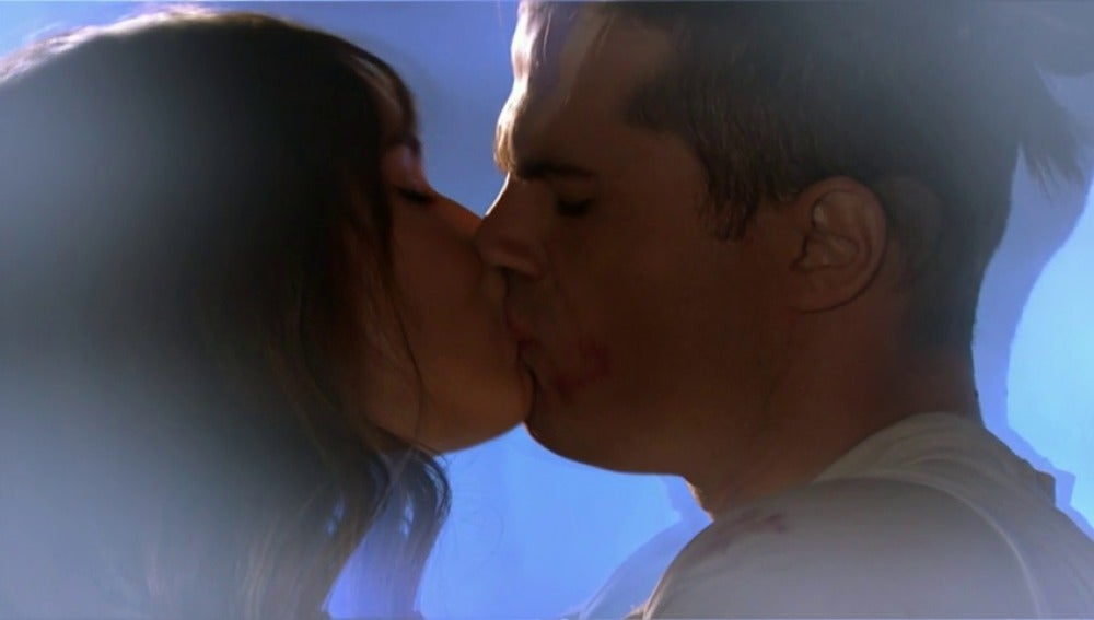 Frame 15.414285 de: Valentina no se puede quitar de la cabeza el beso con Mau