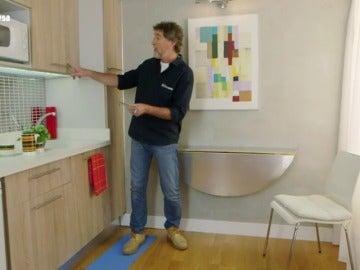 Frame 81.790476 de: ¿Tienes una cocina demasiado pequeña y crees que no hay espacio para una mesa?
