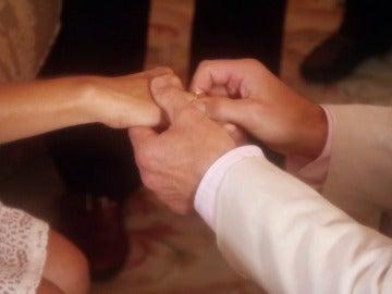 Alejandro le pide matrimonio a Magdalena