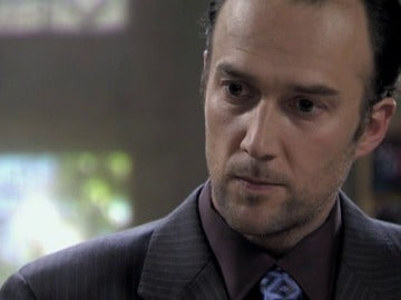 Carlos Leal grabó un rap sobre su personaje en El Internado acompañado por varios actores