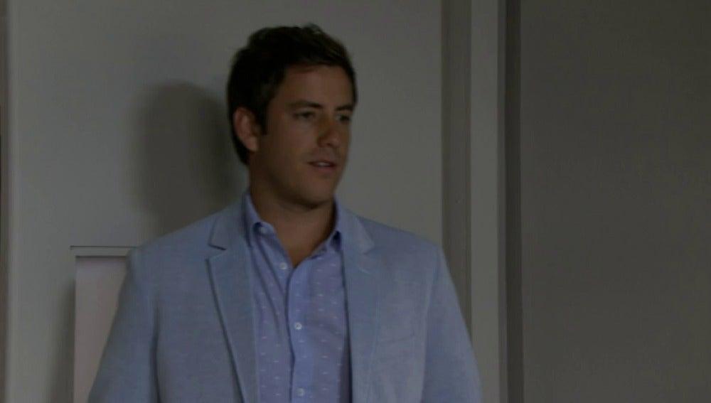 Rodrigo intenta asesinar a su padre en el hospital