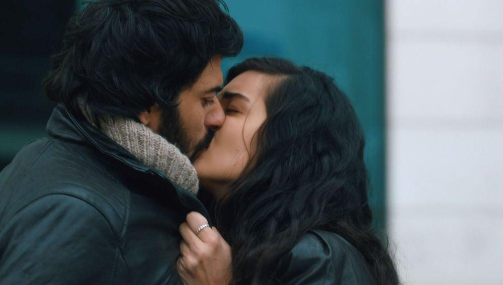 El beso de Elif