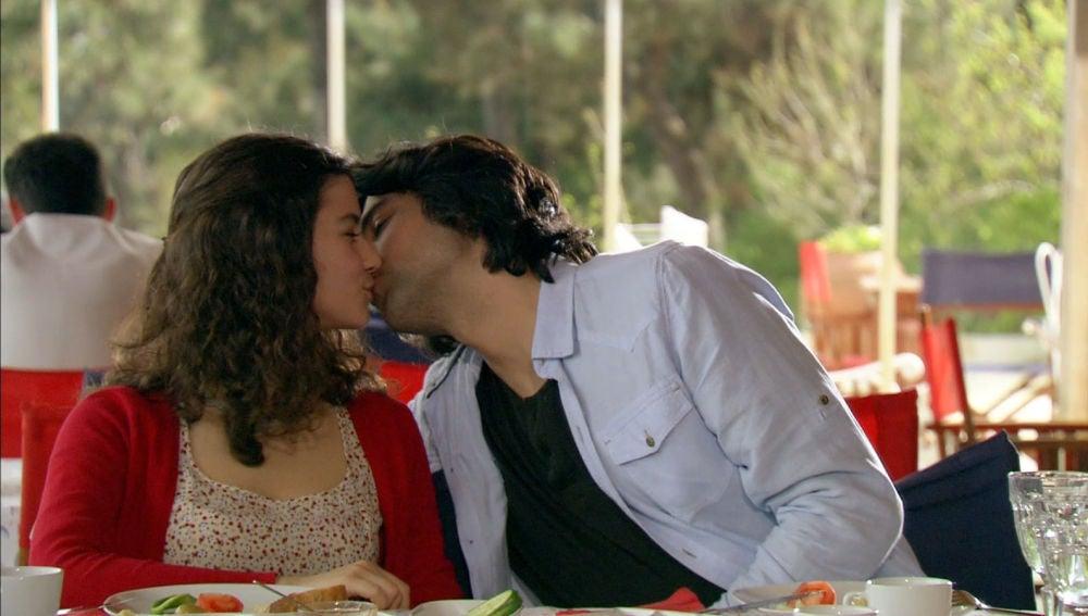 Kerim y Fatmagül enamorados