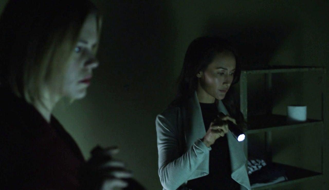 Beth descubre una pista fundamental para encontrar al 'stalker'
