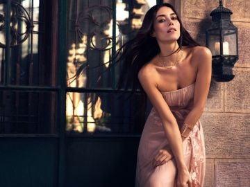 Cansu Dere, la protagonista de 'Ezel' que arrasa en las pasarelas de París