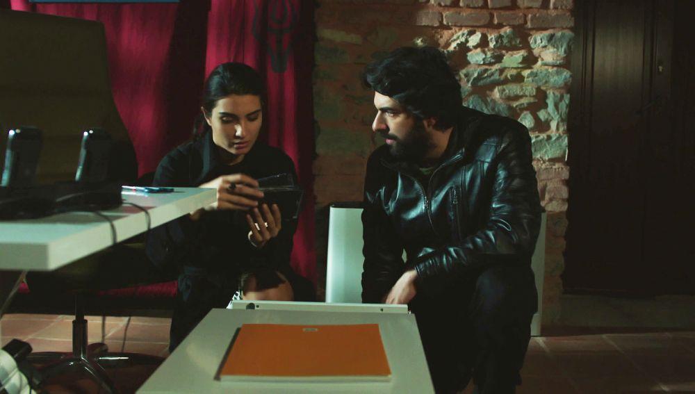 Ömar y Elif, juntos contra Tayyar