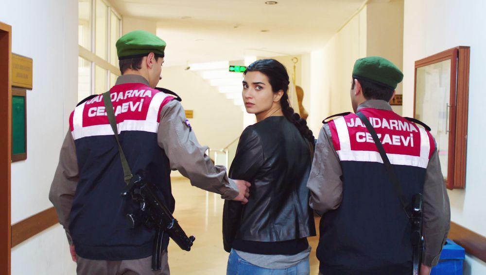 Elif tiene que ingresar en prisión