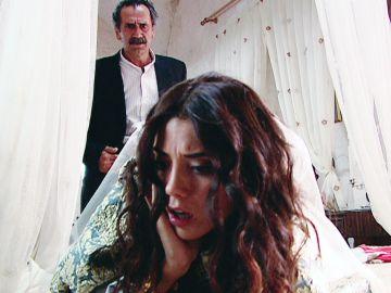 Sila, maltrada por su padre Celil