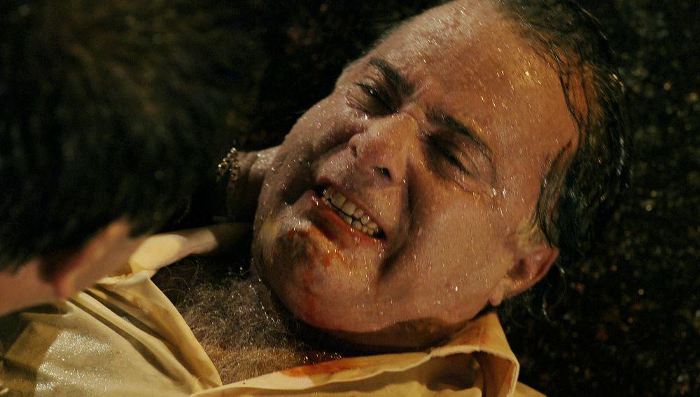 Tifón atropella a Genesio y podría haber muerto