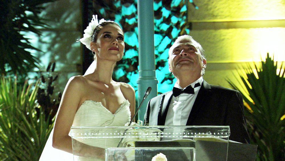 Eysan declara su amor a Ezel durante su boda con Kenan