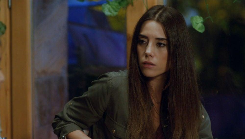 Zeynep se encuentra con Melek