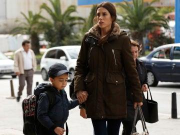 Cansu Dere y Beren Gökyildiz en 'Madre'