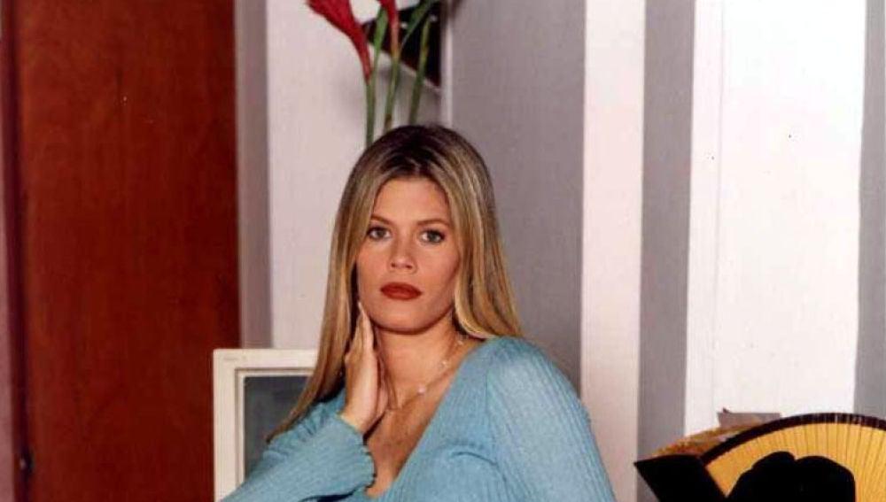Lorna Cepeda interpreta a Patricia Fernández, la peliteñida