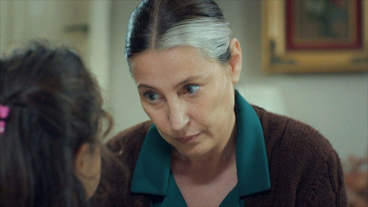 MADRE: Gonül Descubre La Verdad De Zeynep Y Turna