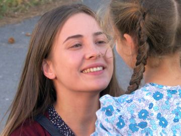 Elif se reencuentra con su madre