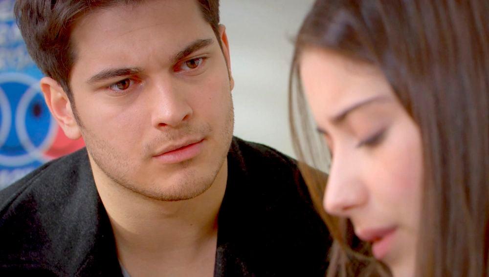 Feriha le cuenta a Emir cómo se prometió con Halil