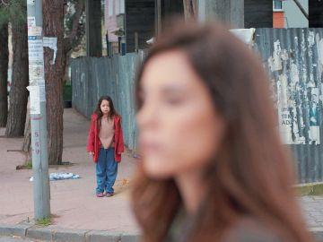 Zeynep se encuentra con Turna