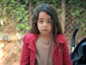La pequeña Melek regresa a casa con Sule