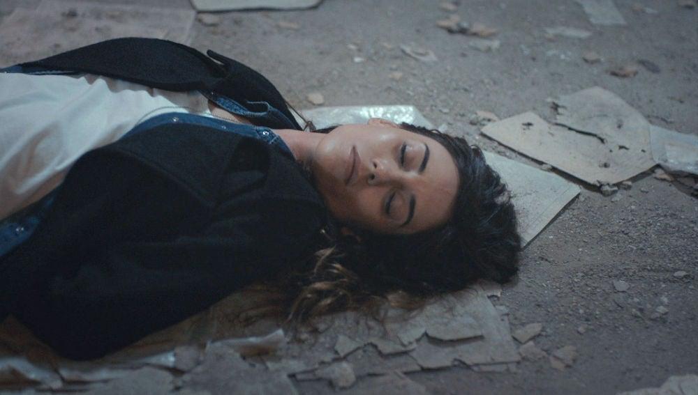 Zeynep, inconsciente