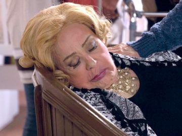 Doña Imelda está inconsciente y puede que haya sido envenenada
