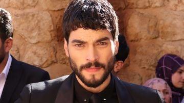 Akin Akinözü, protagonista de 'Hercai', elegido mejor actor turco de 2019