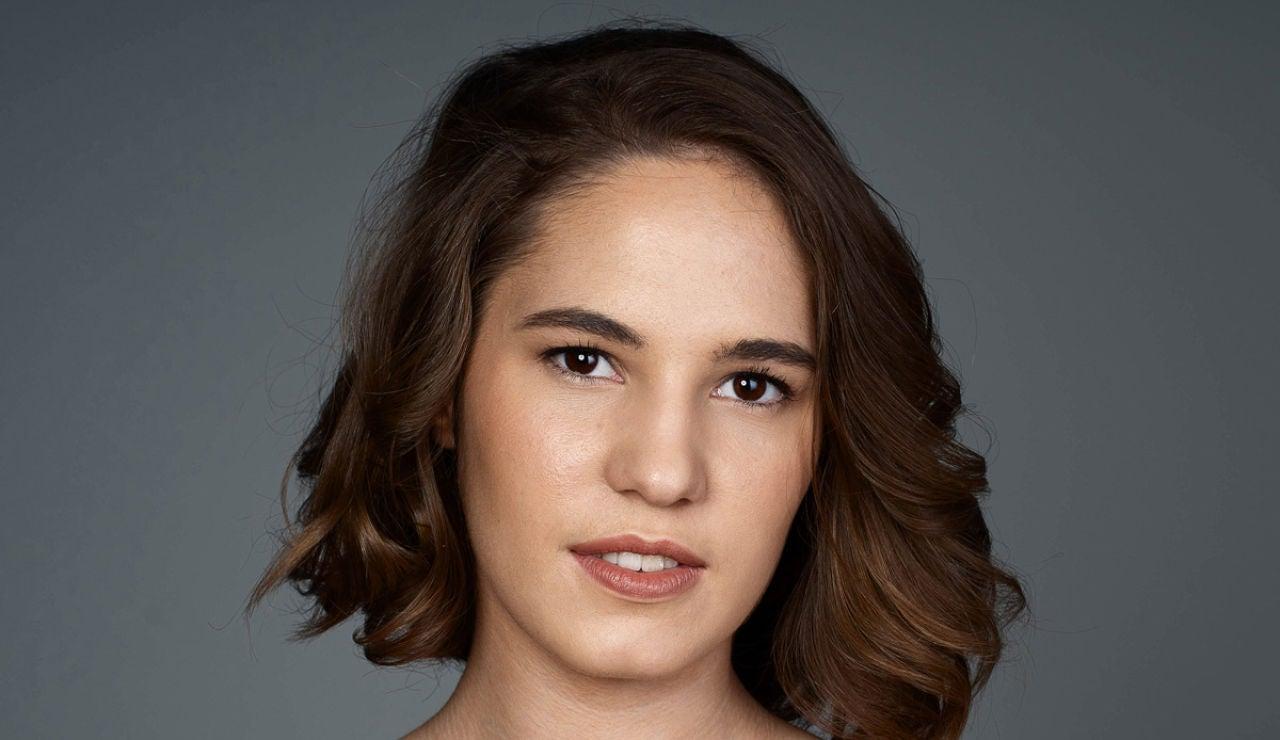 Teresa Loreto es Sandra en Por muchas razones