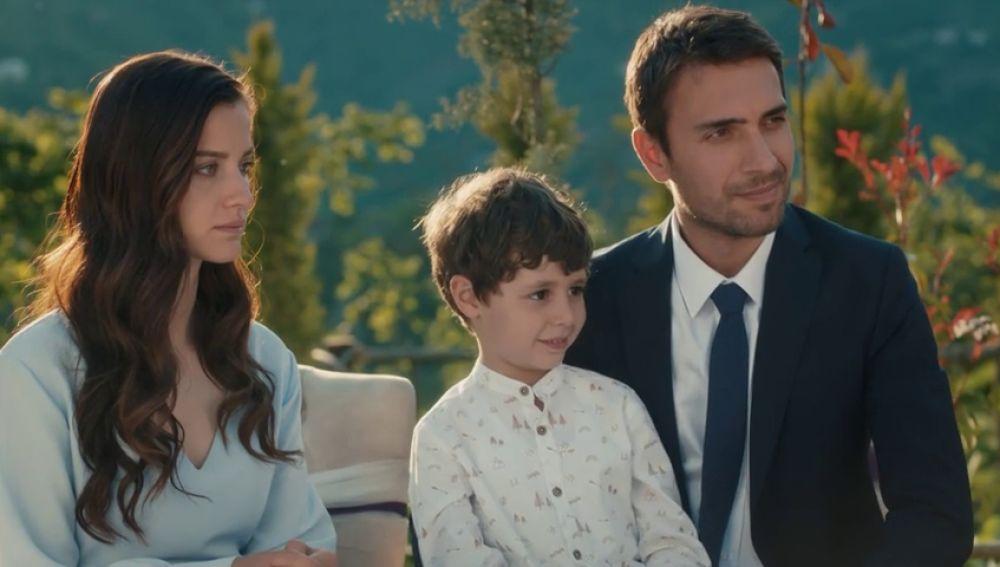 Tahir y Nefes se casan para salvar a Yigit