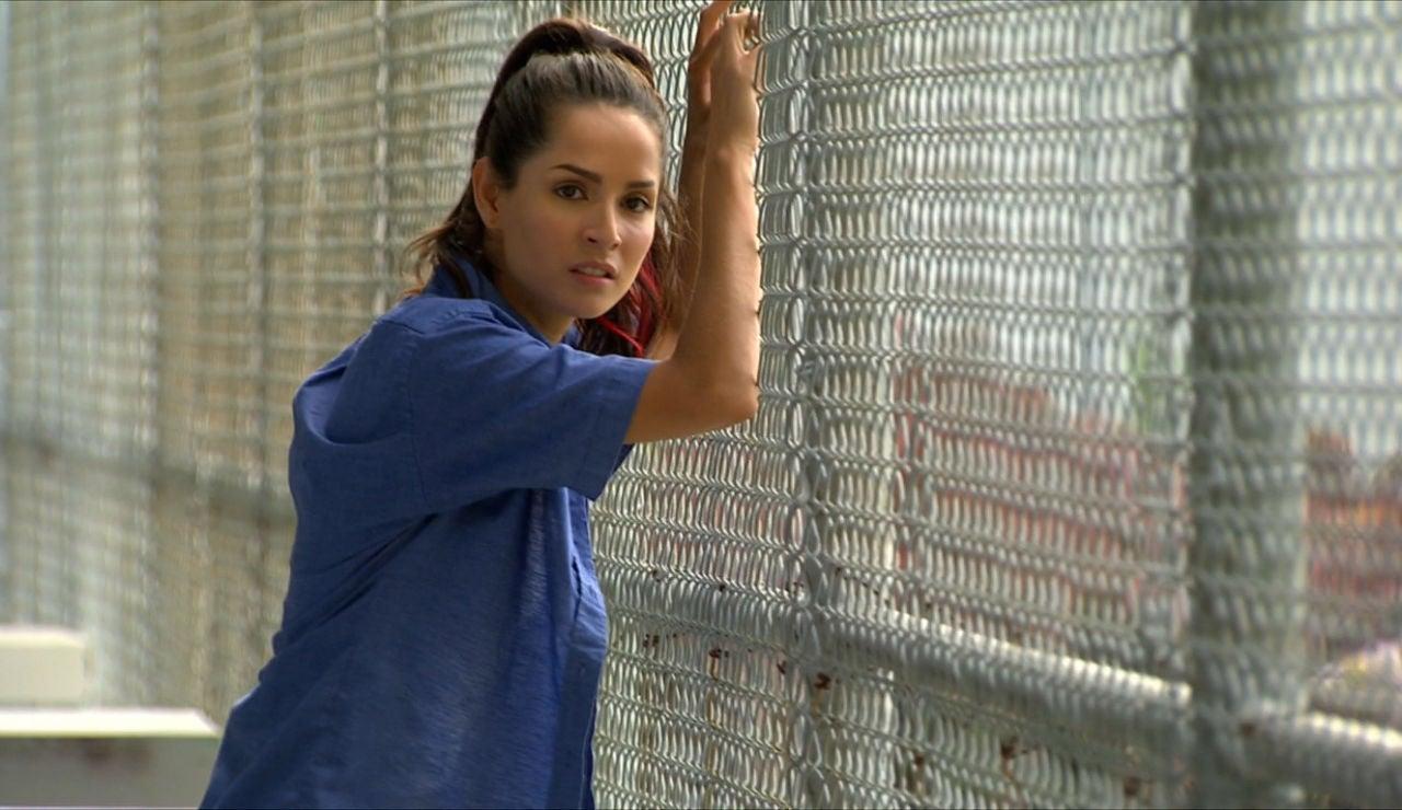 Lola en la cárcel