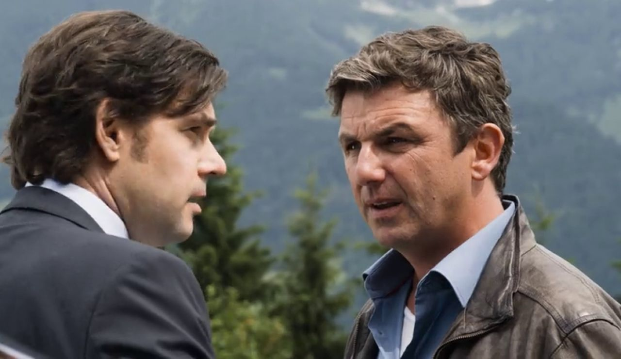El Dr. Gruber descubre al verdadero padre de Max