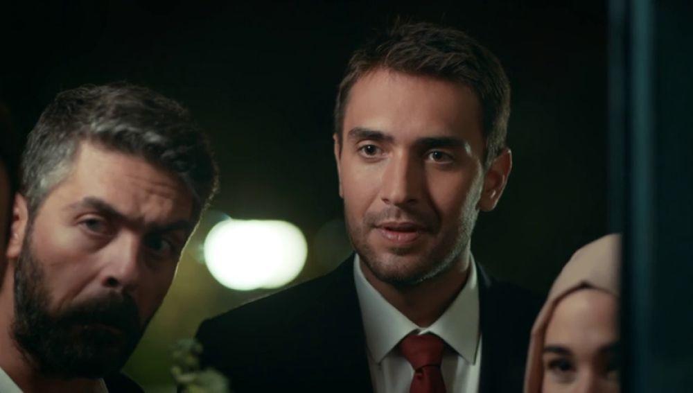 Tahir da el paso y le pide la mano a Nefes