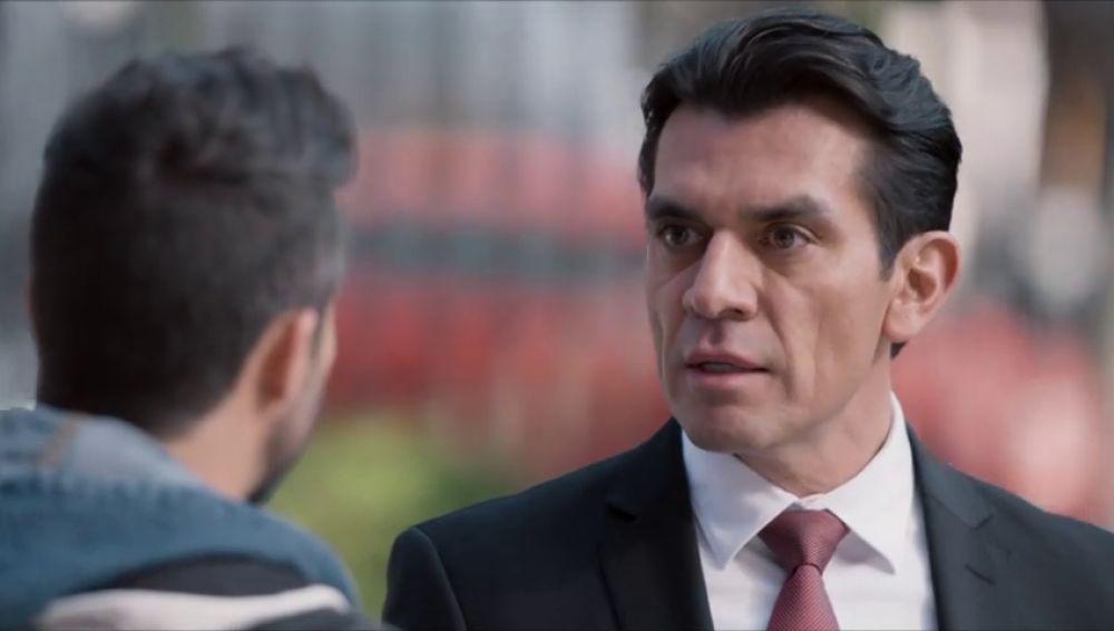 """Ernesto amenaza a Pedro: """"Es la última vez que te digo que te alejes de mi mujer y mi hijo"""""""